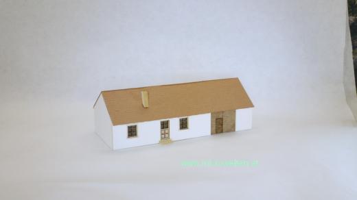 Dorfhaus mit Tor